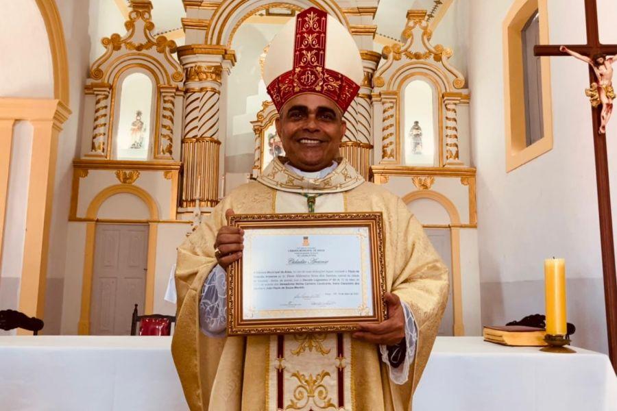 Dom Aldemiro celebra Missa de Aniversário de Areia e recebe Título de Cidadão Areiense